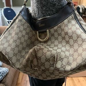 Gucci hobo 100% Authentic
